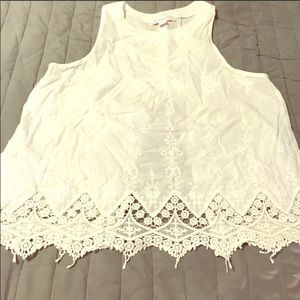 Tops - Cute open back lace top